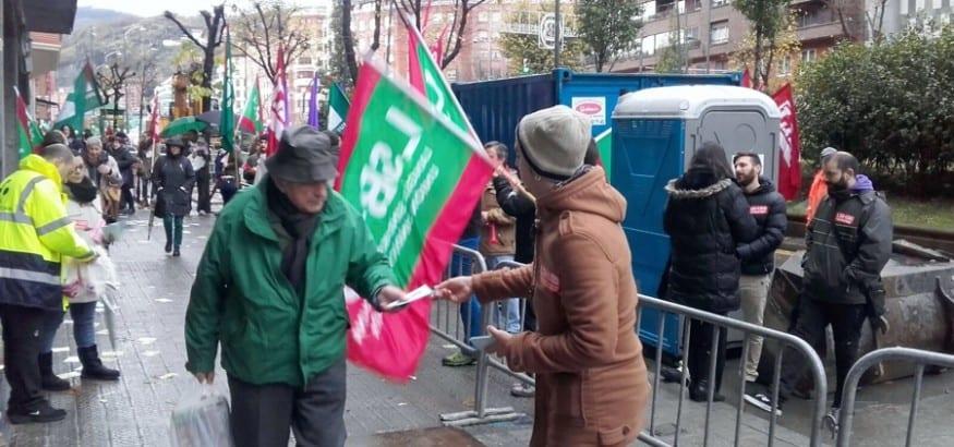 Protesta frente Ibermutuamur