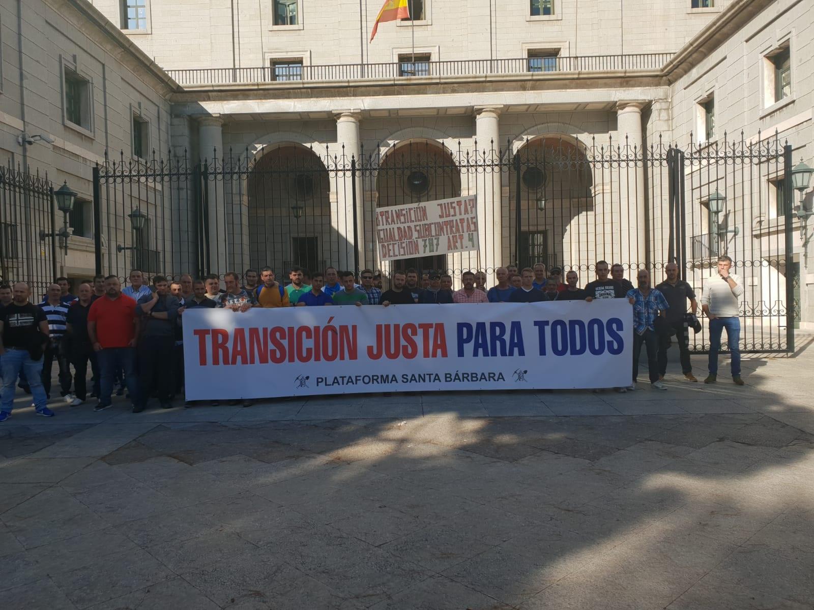 FI-USO_Protesta_Minería_carbón