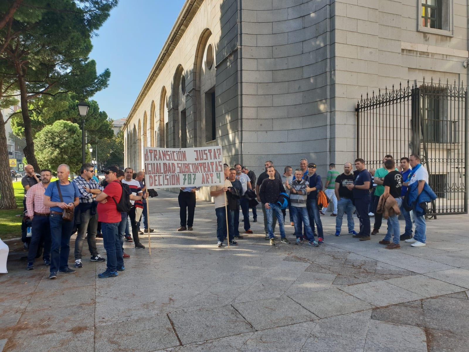 FI-USO_Protesta_Minería_carbón_2