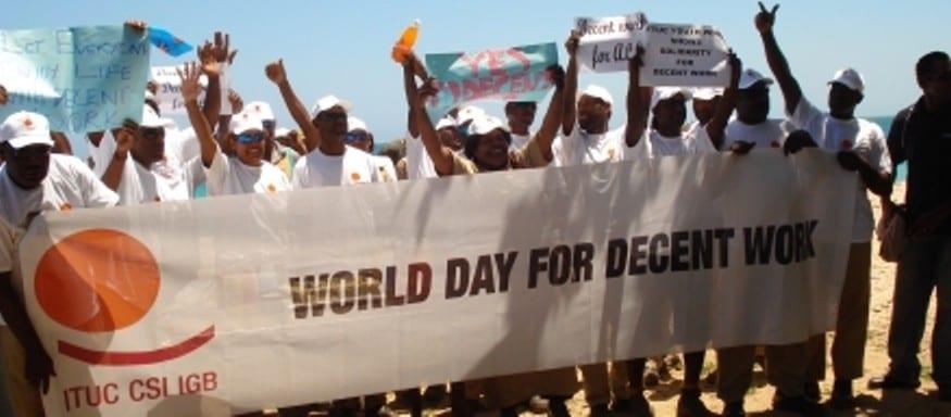 Informe de la ONU Post-2015: se necesita trabajo decente y derechos