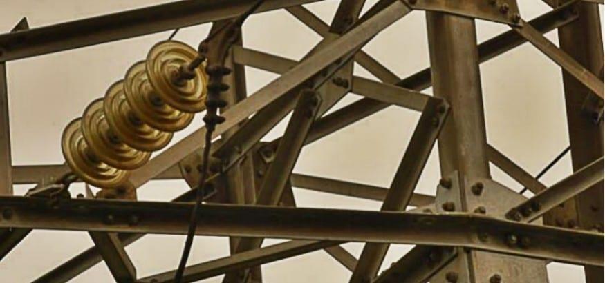 La subasta eléctrica no puede cerrar ni deslocalizar empresas