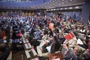 20150930_13º Congreso CES_Paris_votacion
