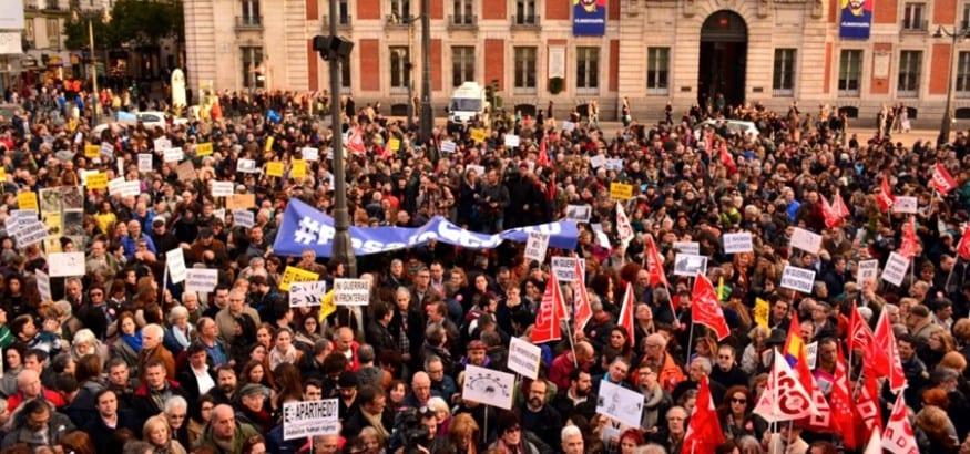 Miles de personas alzan la voz contra el preacuerdo UE-Turquía para los refugiados
