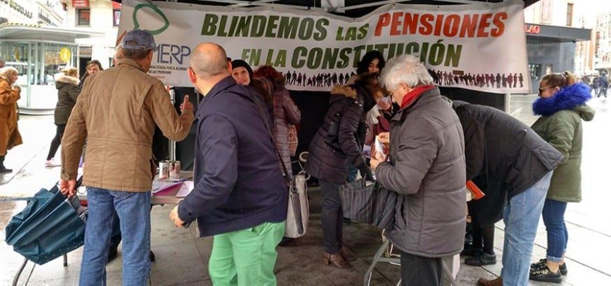 La MERP monta mesas de recogida de firmas en más de 400 poblaciones para blindar las pensiones