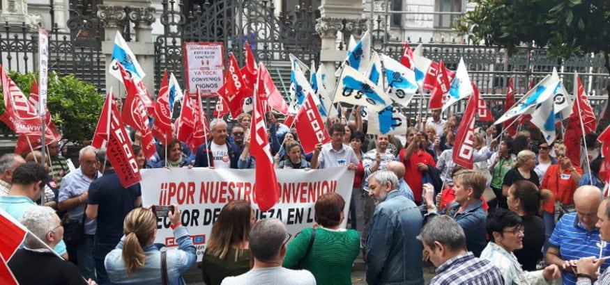 El sector de limpieza de Asturias sale a la calle por un convenio digno