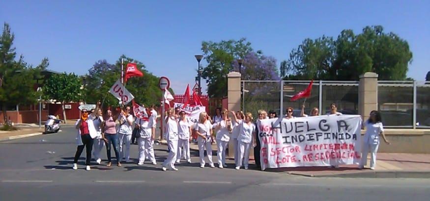 Las trabajadoras de limpieza del IMAS, en Murcia, en huelga indefinida