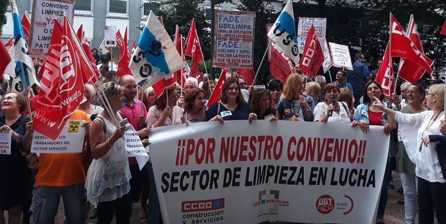 USO Asturias se manifiesta ante la patronal contra la ridícula oferta de subida del convenio de Limpieza