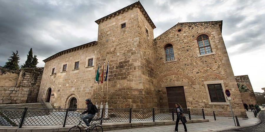USO Extremadura denuncia un ERE encubierto pactado entre la Junta y los sindicatos
