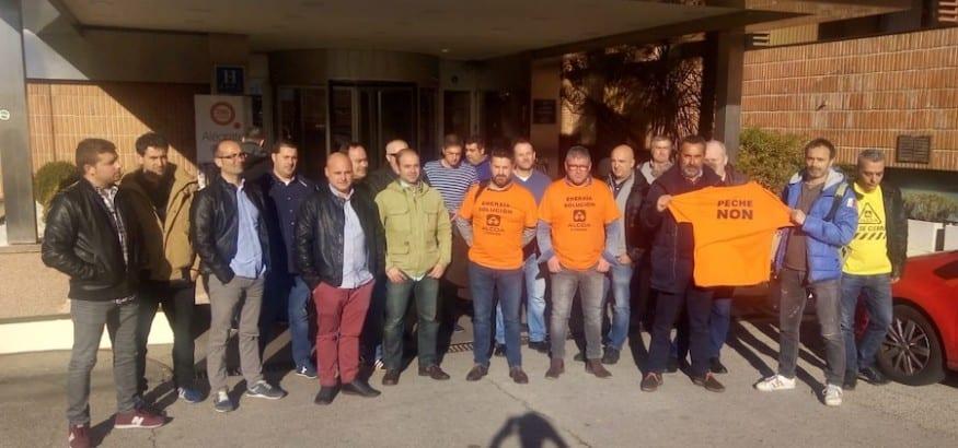Los trabajadores exigen la retirada del ERE en la primera reunión de consultas de Alcoa