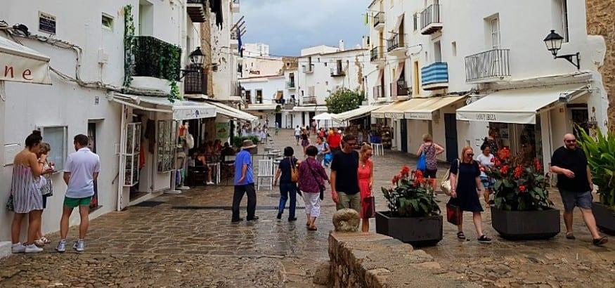 Constituida la mesa negociadora del Convenio del Comercio en Baleares