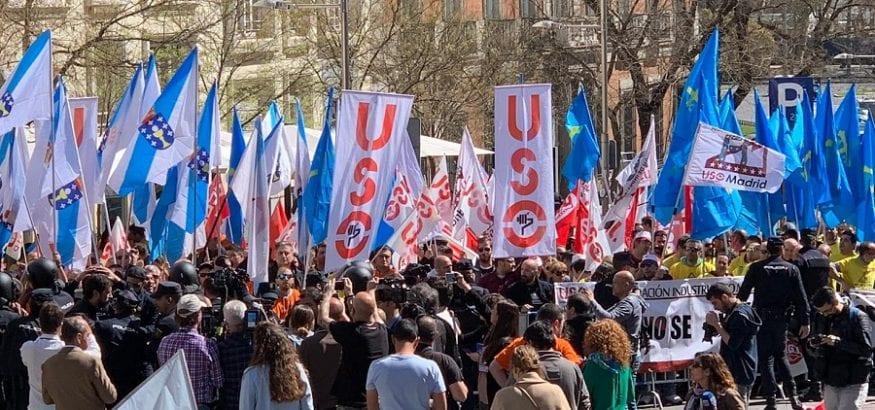 USO se vuelca en el apoyo a los trabajadores de Alcoa frente al Congreso