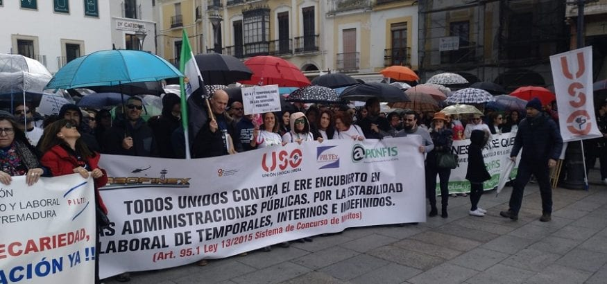 Empleados interinos y temporales se manifiestan en Mérida por los procesos de estabilización del empleo