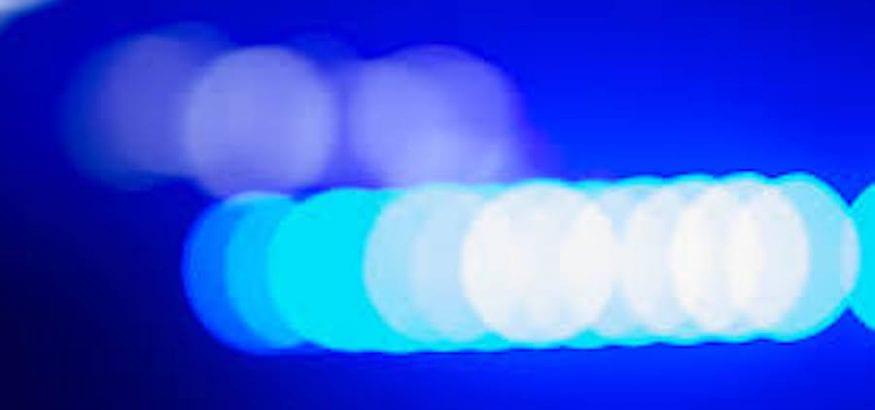 ¿Cómo afecta la luz azul en la aparición de trastornos visuales en los trabajadores?