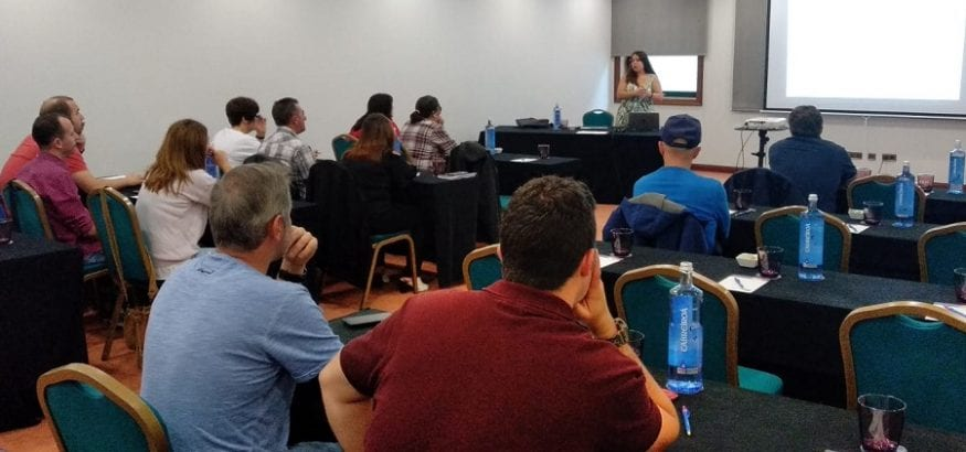Jornada de formación sobre creación de campañas electorales en Santiago de Compostela