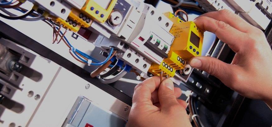 Cinco reglas de oro para trabajar de manera segura en instalaciones eléctricas
