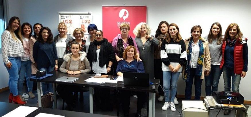 """La Secretaría de Formación Sindical e Igualdad imparte """"Mujer y liderazgo"""" en Galicia y Asturias"""