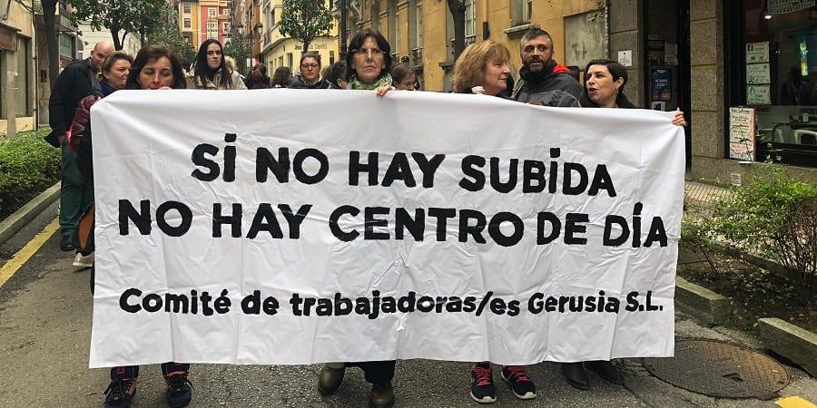 La plantilla de centros de día de Asturias culmina su huelga y espera un gesto antes de convocar más