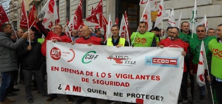 Los vigilantes de Cantabria y Baleares salen a la calle exigiendo más protección en su puesto de trabajo