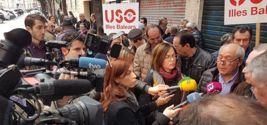 USO se concentra ante el Parlament de Mallorca para pedir blindar el sistema público de pensiones
