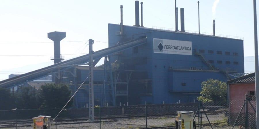 Acuerdo en Ferroglobe para evitar despidos y parar el descuelgue, aparcando la subida salarial