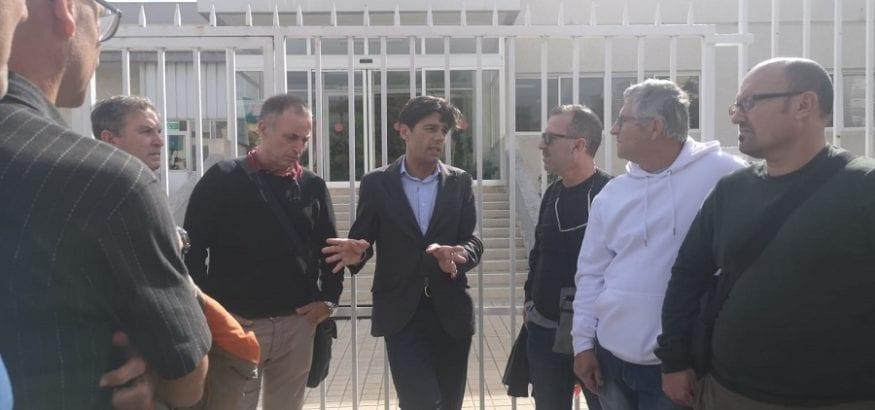 Joaquín Pérez visita a los trabajadores de Kalise tras una reunión de mediación con la empresa