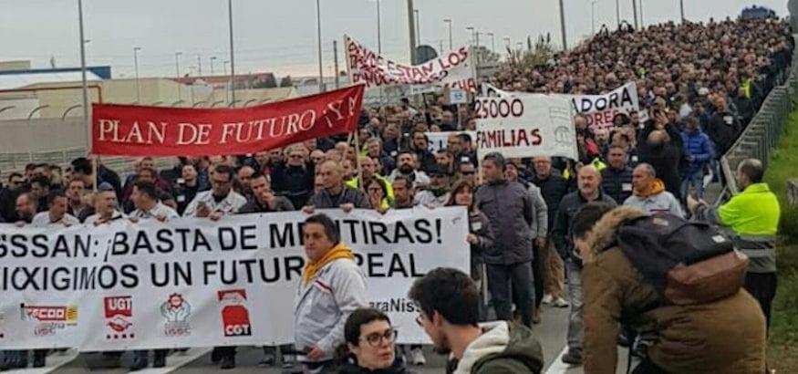 Los trabajadores de Nissan preparan varias reuniones institucionales tras un nuevo éxito en las calles
