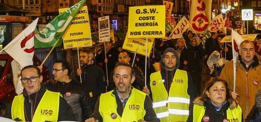 Manifestación por el futuro de la industria de Cantabria y sus puestos de trabajo