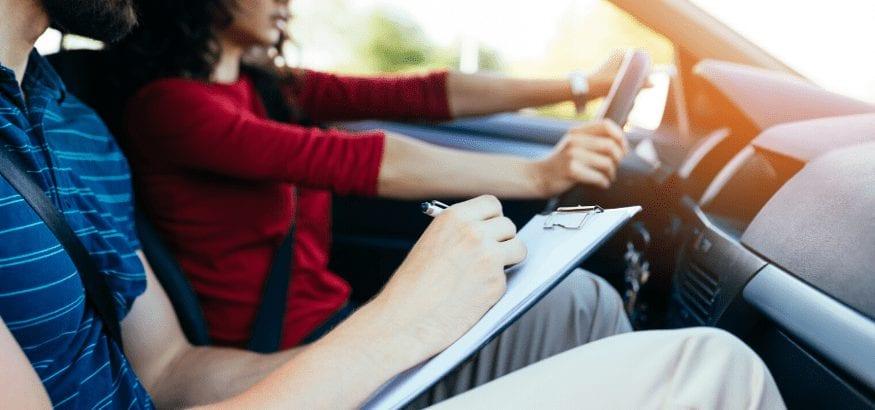 Abren las autoescuelas con medidas de protección para profesores y alumnos