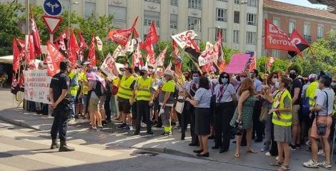 Los trabajadores de Ferrovial llevan la defensa del servicio a bordo de Renfe al Congreso