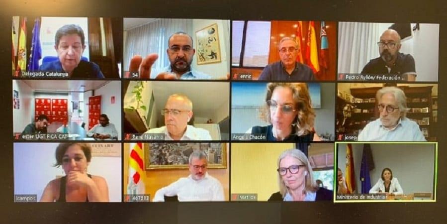 Sindicatos y administraciones, unidos contra el cierre de Nissan en Barcelona