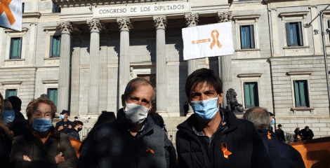FEUSO vuelve a las puertas del Congreso a pedir diálogo sobre la ley educativa