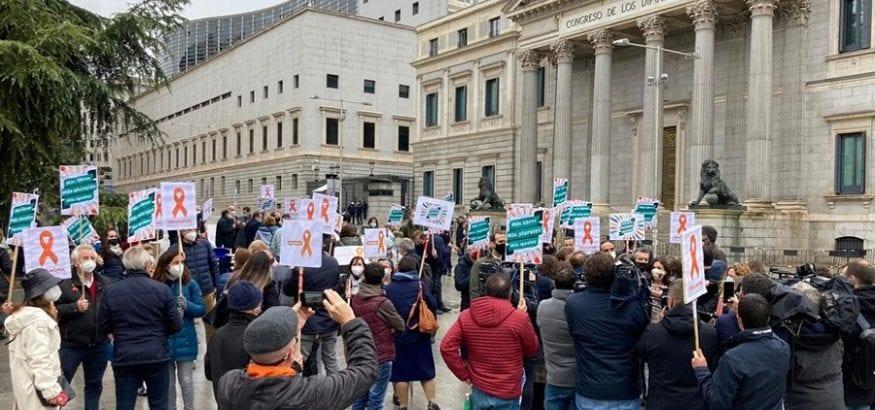 FEUSO supera las 600.000 firmas en contra de la Ley Celaá