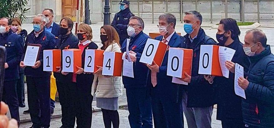 Entrega de casi 2 millones de firmas contra la nueva Ley de Educación