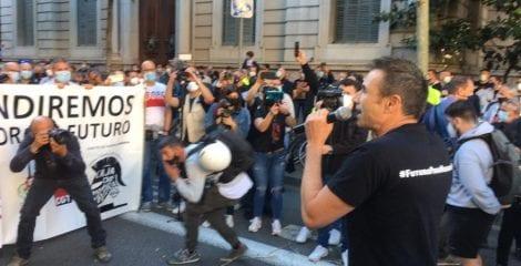 1.000 personas reclaman en las calles la reindustrialización de Nissan